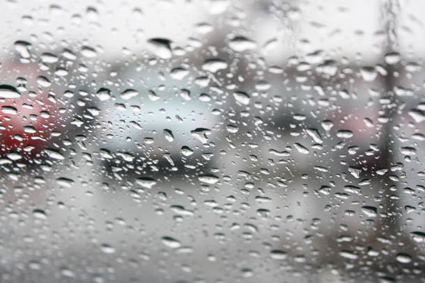 Dråper på vinduet